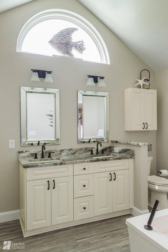 double vanity with granite countertops and undermount bathroom sinks